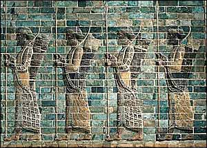 Immortal Persian guard, glazed brick Frieze of Archers found in Darius the Great�s palace in Susa, now in the Louvre, Paris.